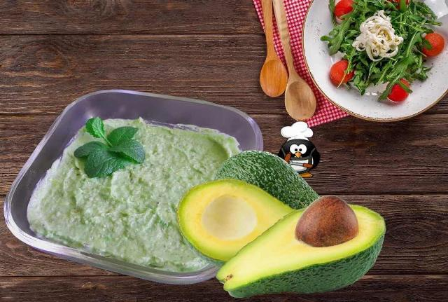 Avocadoaufstrich Low Carb Rezept